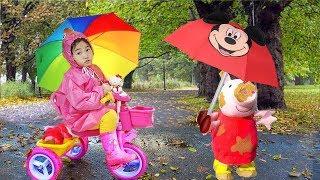 비가와요~ 아기인형 베이비돌 친구들하테 우산이 필요해요~~ 인기동요 영어동요 색깔놀이 Rain Rain go away and toys in the park