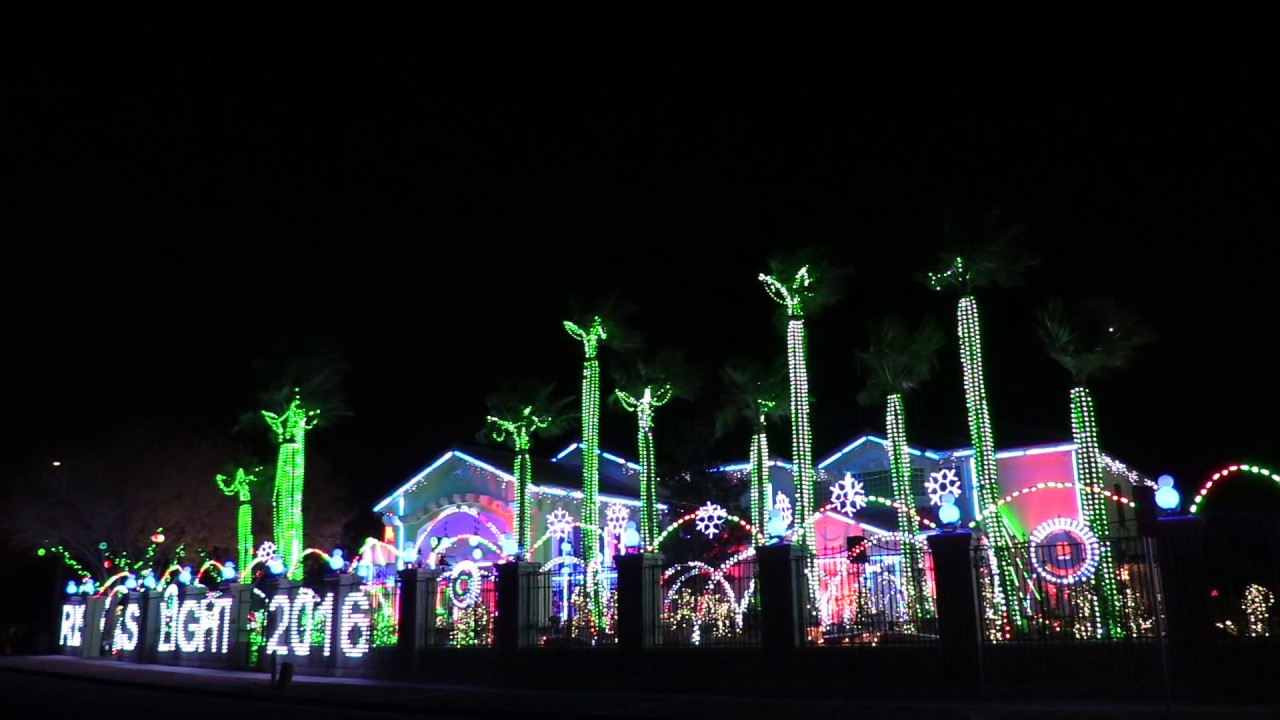 WORLDS BEST CHRISTMAS LIGHT SHOW TO MUSIC BEAUTIFUL