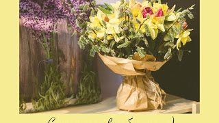 Уроки флористики: букет из тюльпанов и нарциссов// упаковка в крафт