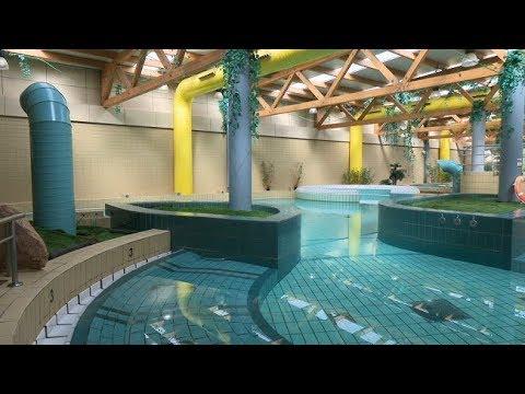 Las piscinas cubiertas y la zona de spa del polideportivo for Piscina de alcobendas