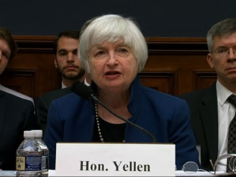 Yellen Tells Congress to Expect More Rate Hikes