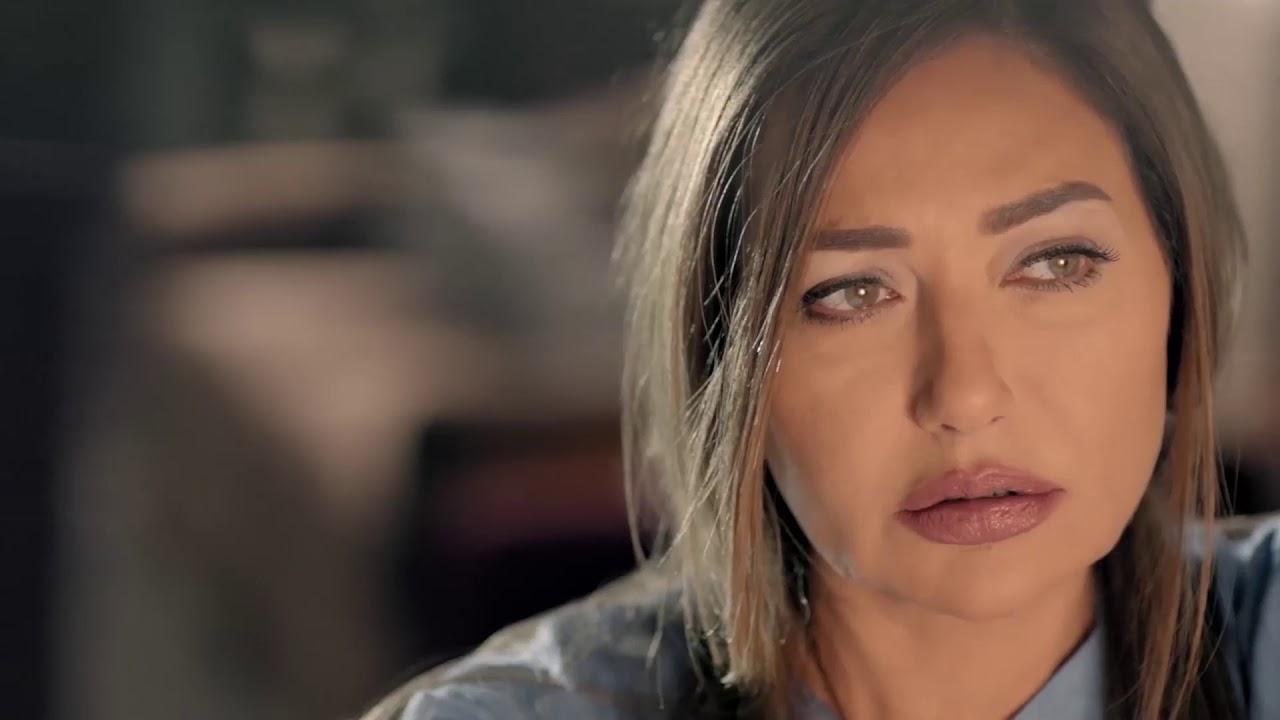 شوفوا قصة ليلى علوي مع المحاما فى حياتها