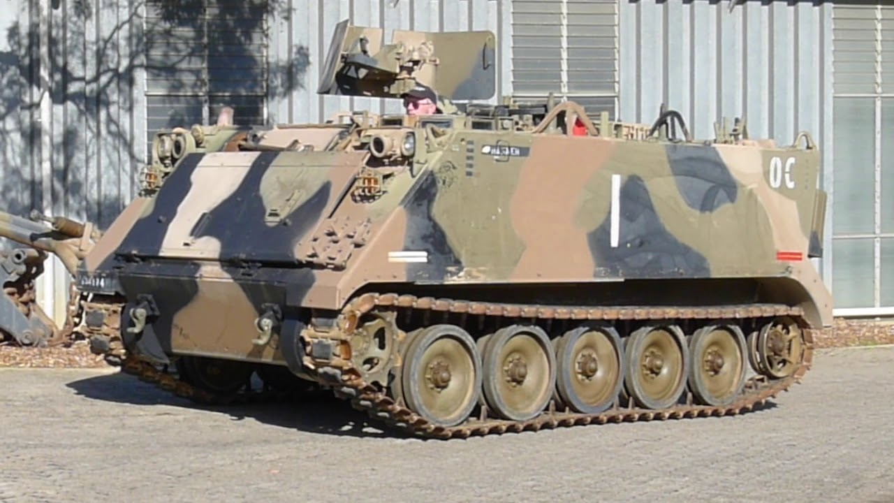 military engineering machine von Niko 1//700 4 to a pack Bulldozer WWII