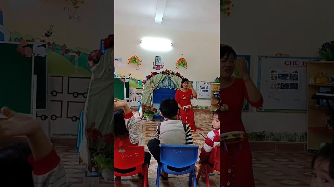 Truyện Qua đường 3 – 4 tuổi chủ đề Giao thông-  Giáo dục lấy trẻ làm trung tâm