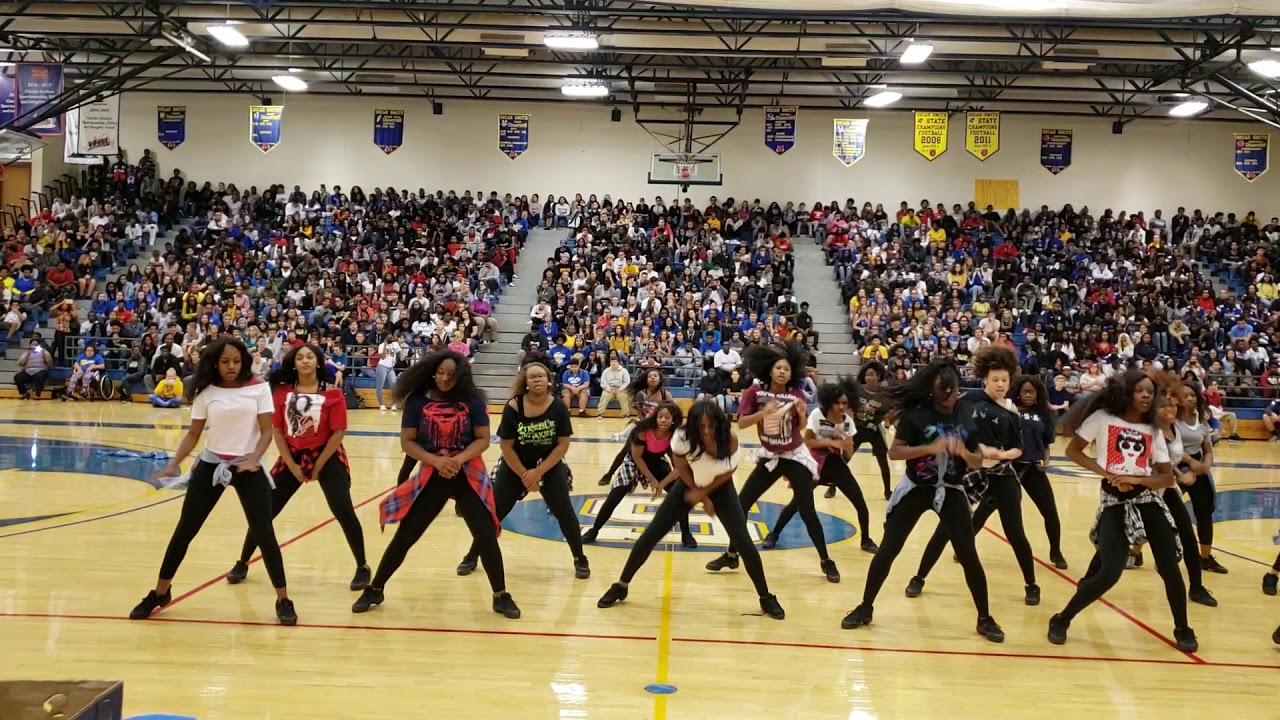 Oscar Smith High School Star Dancers