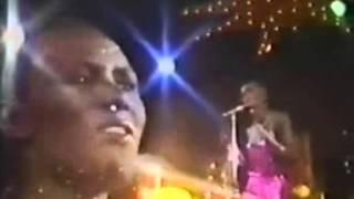 Grace Jones - La Vie En Rose (subtitulos español)