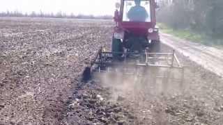 Трактор Т-25 с турбиной в поле(Трактор Т-25 с турбиной в поле http://youtu.be/X3Kbz-VgWuk Трактор Т-25 турбированный в поле с самодельным культиватором..., 2014-03-24T18:46:32.000Z)