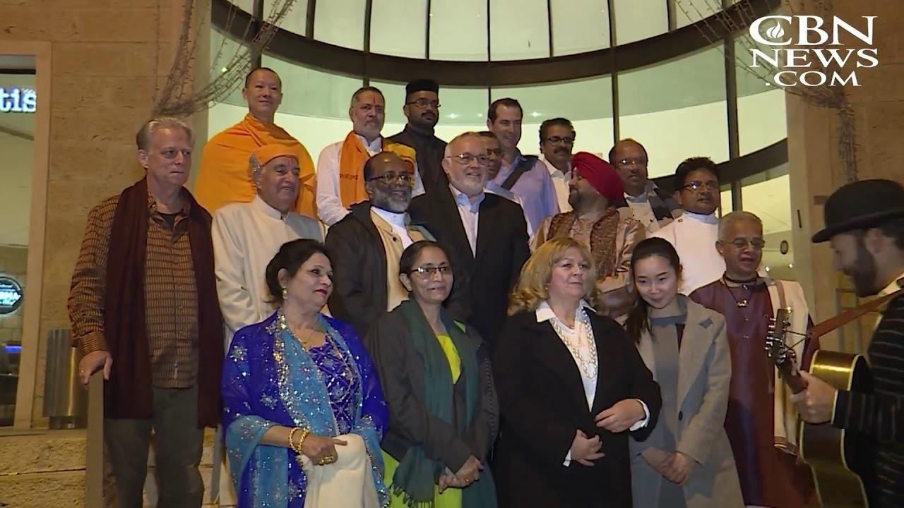 Bahrain Interfaith Delegation Lights Hanukkah Candle In Jerusalem