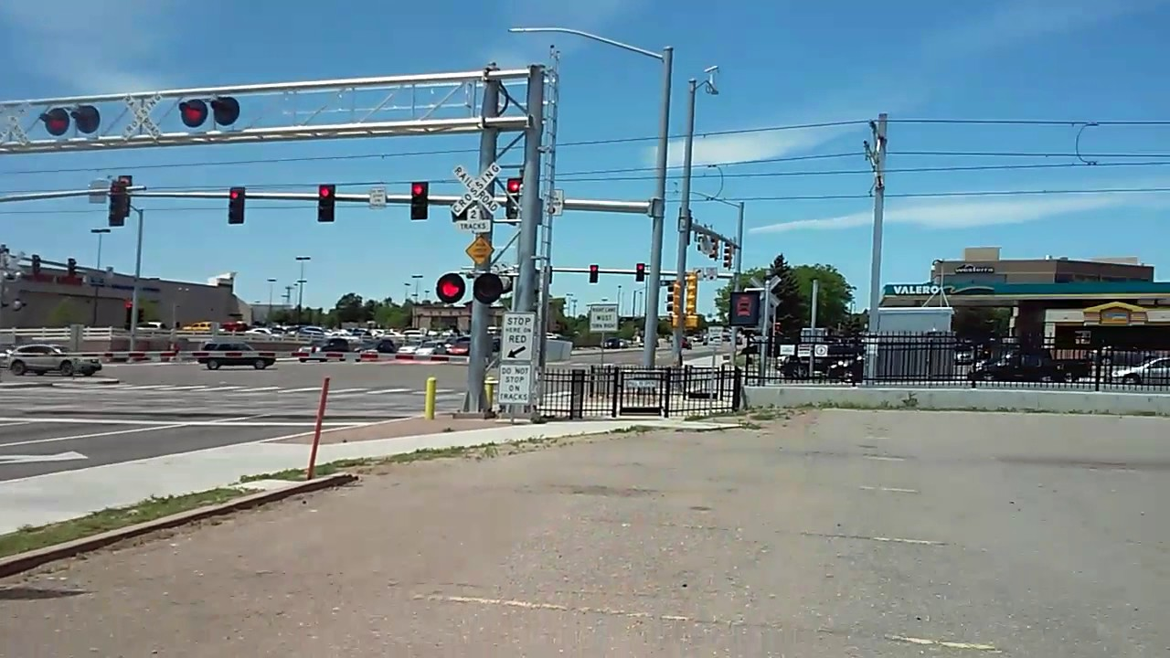 RTD Light Rail (R LINE) at the Sable & Alameda Intersection