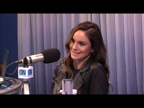 Sarah Wayne Callies - Interview On With Mario