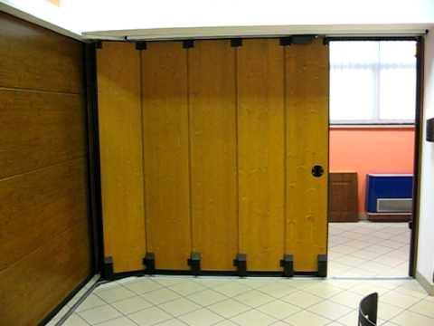 Interno porta scorrevole laterale mercurio con motore for Casa con garage laterale