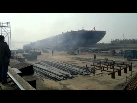 Launch of the Veka Wagenborg Barge 8 - VEKA Group
