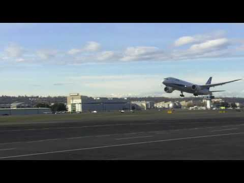 787's at Boeing Field/Seattle