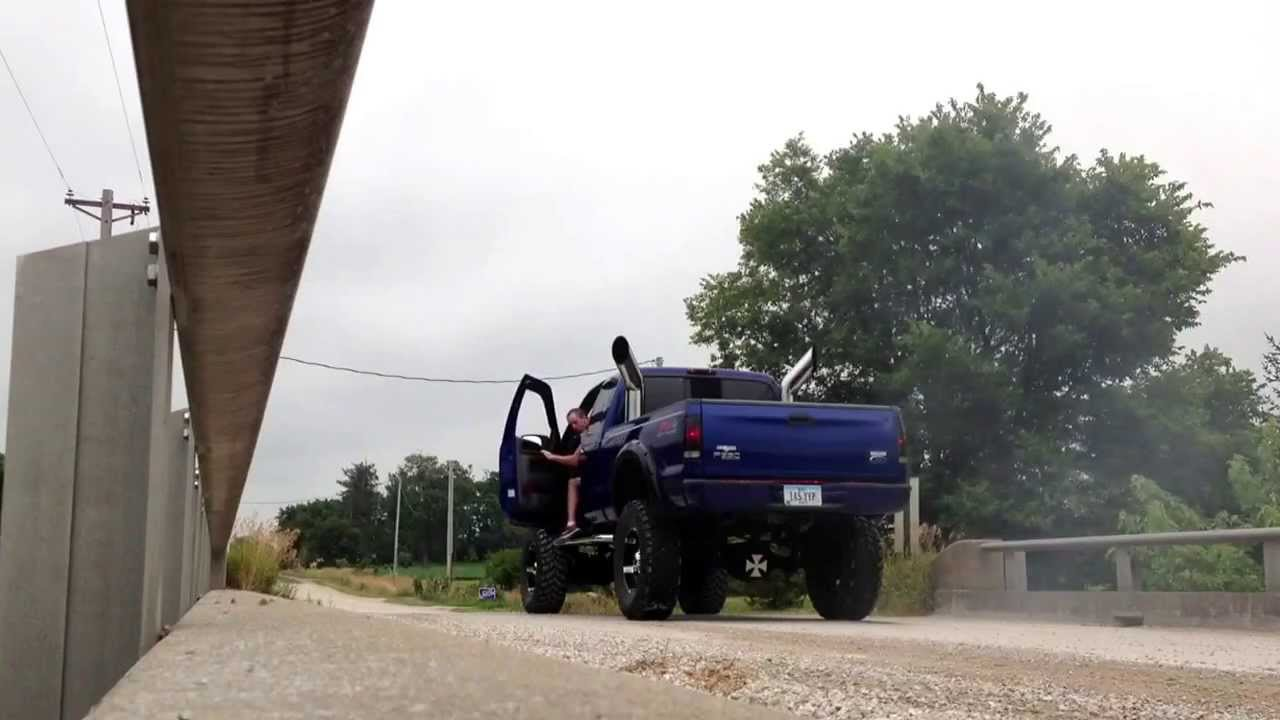 2003 Lifted F350 7 3 Powerstroke Burnout On 40 S Rolling