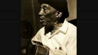 Watch Mississippi John Hurt Moaning The Blues video