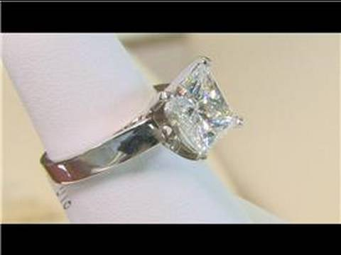 wedding-&-engagement-rings-:-engagement-ring-metals
