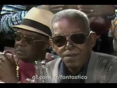 João Nogueira e o Clube do Samba homenageiam Cartola (1979)