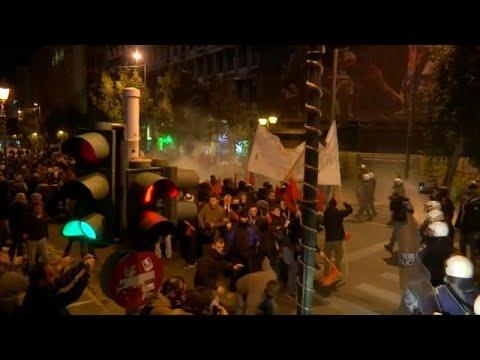 مظاهرات عنيفة في اليونان احتجاجا على زيارة ميركل  - 22:54-2019 / 1 / 10