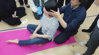 흉골과 경추5.6번 조절법-경추 가동 범위 확 늘리기입니다.