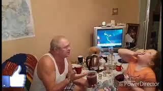 Сладкий дедушка и внучка