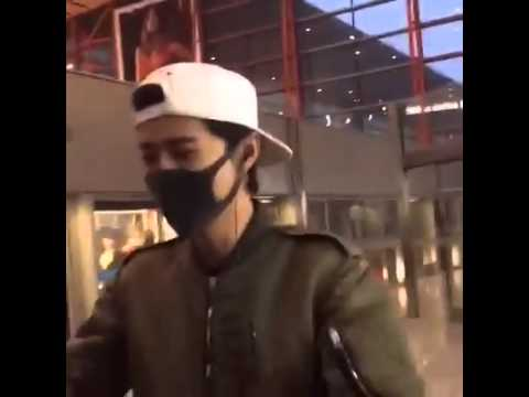[ENG] LUHAN in beijing airport told fans go home to sleep.