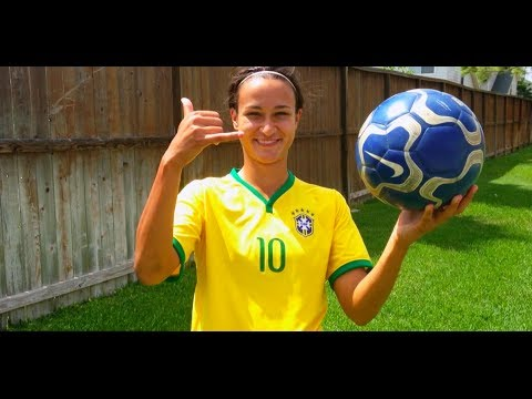 Kika Toulouse How To Do The ELASTICO Skills from around the WorldCup