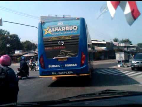 Balapan Bis 2 SetiaNegara Alfaruq overtake Marlina