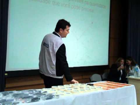 Ricardo Vargas explicando o processo de compras no PM Dome