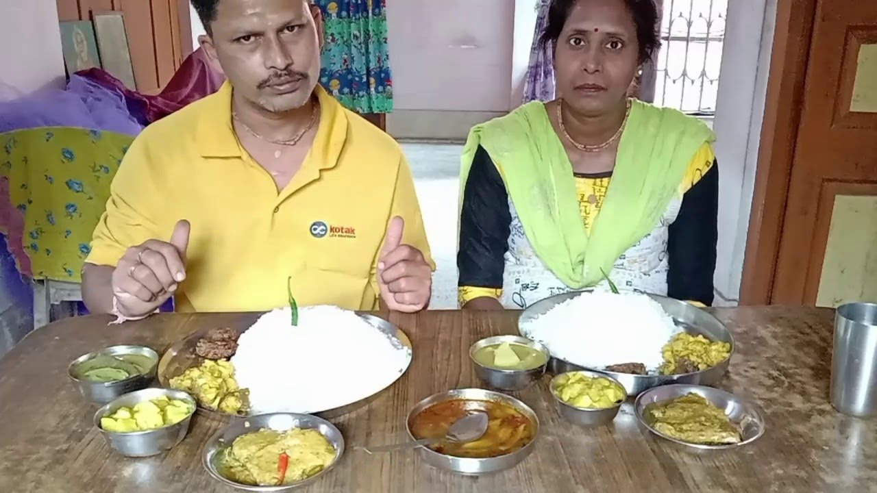 Husband Wife Eating Posto Special Lunch Menu | Poppy Seeds with Ridge Gourd | Katla Fish Jhal