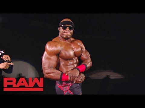 Bobby Lashley interrupts Elias for a posing session: Raw, Dec. 3, 2018
