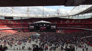 All Time Low live @ Emirates Stadium- Dear Maria