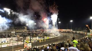 2014 Knoxville Nationals 4 wide salute