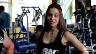 Лиза Мукминова тренировка фитне-бикини