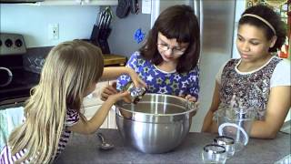 Kids In The Kitchen: Wacky Cake