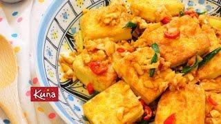 醬香蒜味金沙豆腐 Fried egg tufu with salty garlic sauce