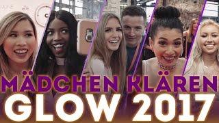 Mädchen klären auf der GLOW 2017 in Düsseldorf