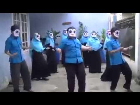 Penguin menari
