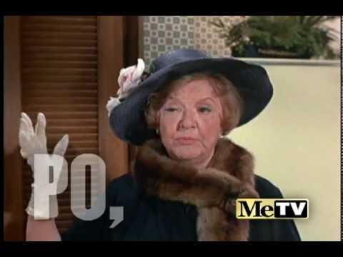 Aunt Clara on Bewitched  MeTV