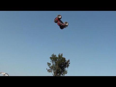 electric-rc-4wd-monster-truck-killer-skateboarding-ramp-jumps