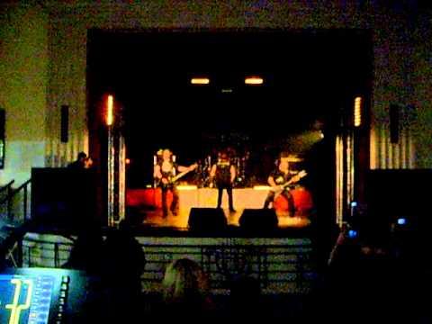 POWER FUEL :Virgin suicide (Convention Rock'n Metal,Fismes,06/03/11)