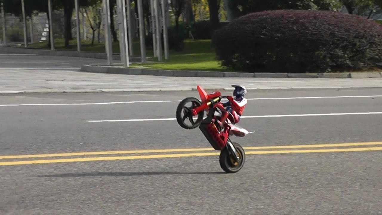Super Rider Sr4 More Wheelies And Cart Wheelies Youtube