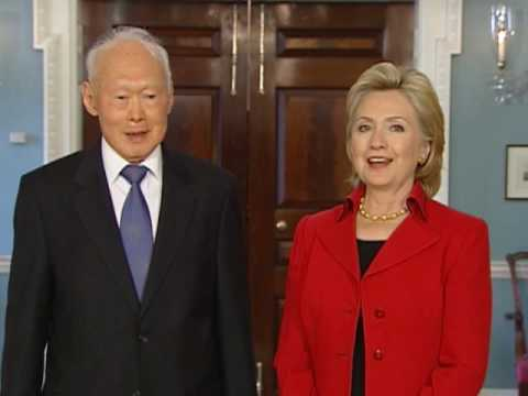 Secretary Clinton Meets With Minister Mentor Lee Kuan Yew of Singapore
