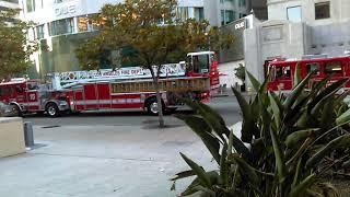 Пожарные машины приехали для центральной библиотеки ЛА