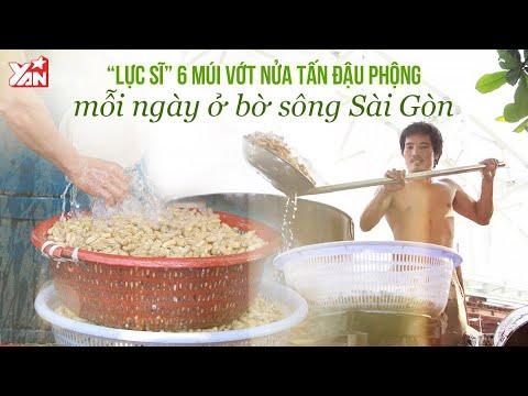 """""""Lực Sĩ """" 6 Múi Vớt Nửa Tấn Đậu Phộng Mỗi Ngày Ở Bờ Sông Sài Gòn"""