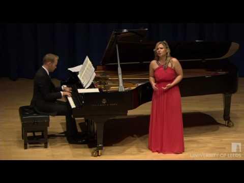 ANNA HUNTLEY - Schumann - Frauenliebe und -leben