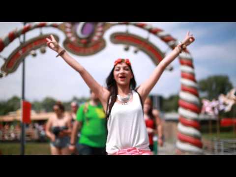 Tomorrowland 2014 | Colourbomb