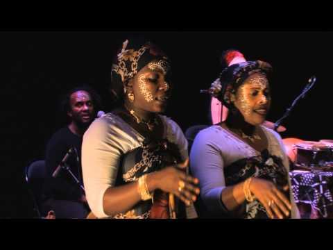 Nawal & Les Femmes de la Lune - Live in Concert 2009 (Comoros / Mayotte)