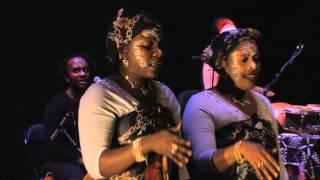 Nawal & Les Femmes de la Lune (Comoros / Mayotte)  ~ promo clip from DVD