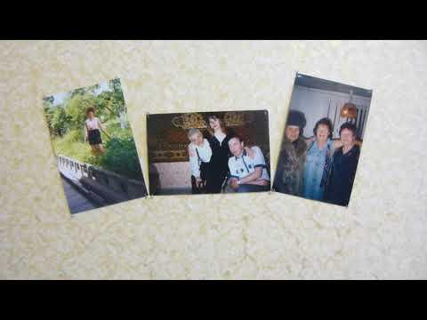 Как разместить фотографии на стене без рамок легко, компактно и красиво.