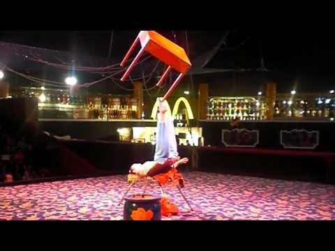 Circus Circus - Amazing Juggling and Balancing Act